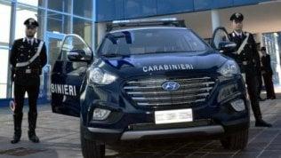 Carabinieri super ecologici: viaggiano con l'auto a idrogeno