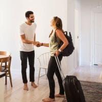 """Airbnb fa ricorso al Tar contro la tassa sugli affitti: """"Viola il diritto Ue"""""""