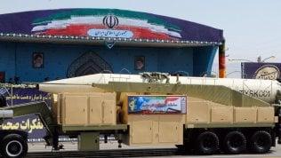 """Iran annuncia: """"Testato con successo nuovo missile balistico"""""""