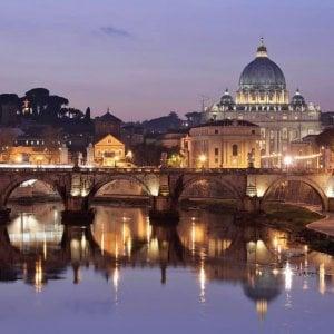 """Vaticano, accuse dell'ex revisore. Dura risposta: """"Svolgeva indagini segrete e illegali"""""""