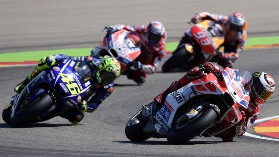 """MotoGp, Rossi: """"Che soddisfazione esserci, alla fine ero cotto"""". Marquez: """"Passo importante"""""""