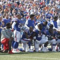 Usa, dilaga protesta star dello sport anti Trump: anticipo football, tutti