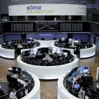 Euro debole dopo le elezioni tedesche, l'ultradestra mina Merkel