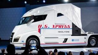 Più di 1000 km con un pieno, si carica in 15 minuti: ecco il super camion elettrico
