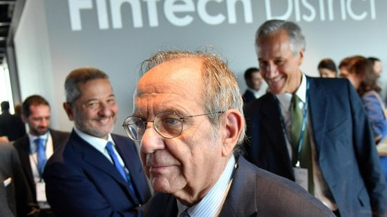 Il ministro Padoan al Fintech District