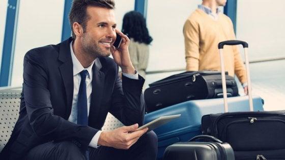 Ue, dalla fine del roaming il traffico degli smartphone è raddoppiato