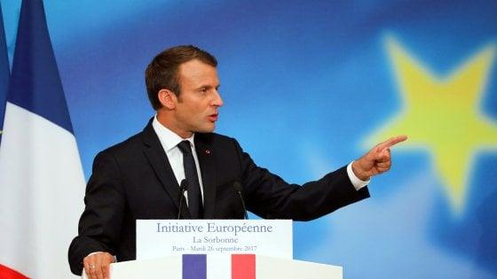"""Macron, rilancio Ue anche dopo il voto tedesco: """"Polizia di frontiera, esercito europeo e un ufficio centrale su diritto d'asilo"""""""