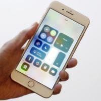 Apple, Siri cambia motore di ricerca, Google al posto di Bing