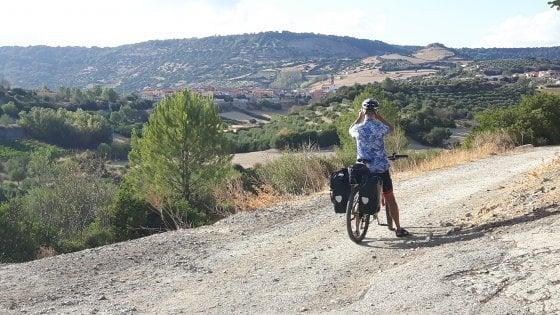 Pedalando tra i nuraghi, in bici nel cuore della Sardegna