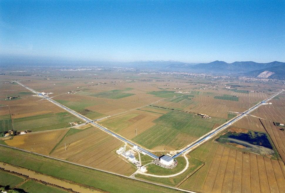 Virgo, l'antenna italiana che cattura le onde gravitazionali