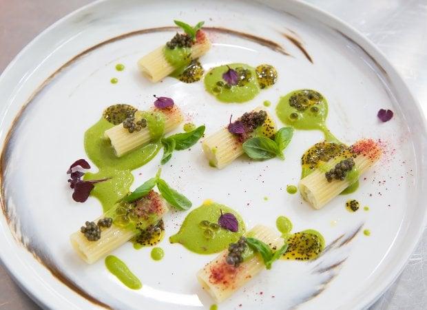 Cacio e pepe al mango e rigatoni con ceviche: così gli chef del mondo reinterpretano la pasta