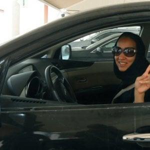 """La svolta di Riad: """"Sono stata in carcere per far guidare le saudite e ora abbiamo vinto"""""""
