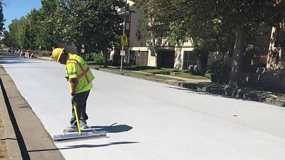 Los Angeles, da grigio a bianco: il nuovo look dell'asfalto che rispetta l'ambiente