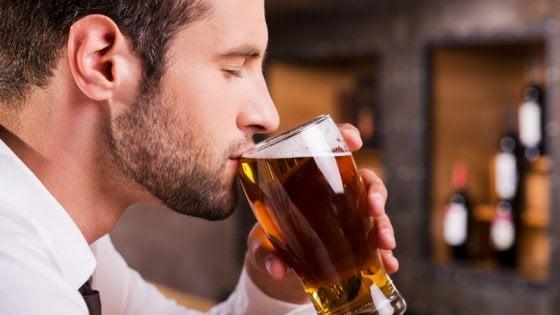 """""""Vi paghiamo per bere birra"""": l'offerta di lavoro che ingolosisce gli appassionati"""