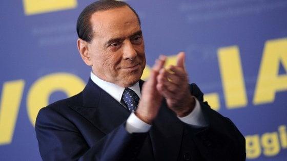 """Legge elettorale, M5s presenta emendamento che escluderebbe Berlusconi. Di Maio: """"Rosatellum per farci fuori"""""""
