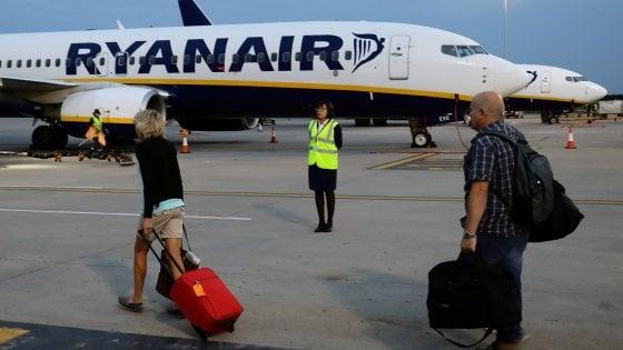 Ryanair, pazza idea dopo il caos voli: offerti viaggi alternativi in autobus