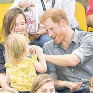 Gran Bretagna, il principe Harry come Diana:  il volto della nuova monarchia