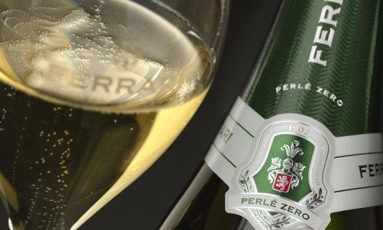 Spumante contro Champagne, la sfida arriva ai vertici e promette scintille