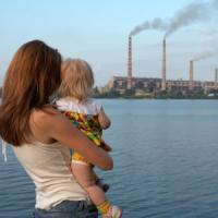 Abusi, psicofarmaci online e inquinamento: le emergenze dei bambini di oggi