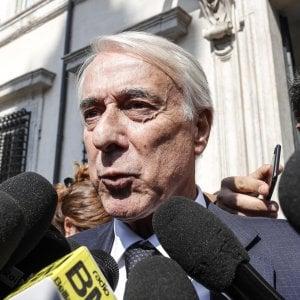 Governo, Gentiloni riceve Pisapia in vista della manovra. L'ex sindaco: decideremo cosa votare sul Def dopo aver ascoltato Padoan