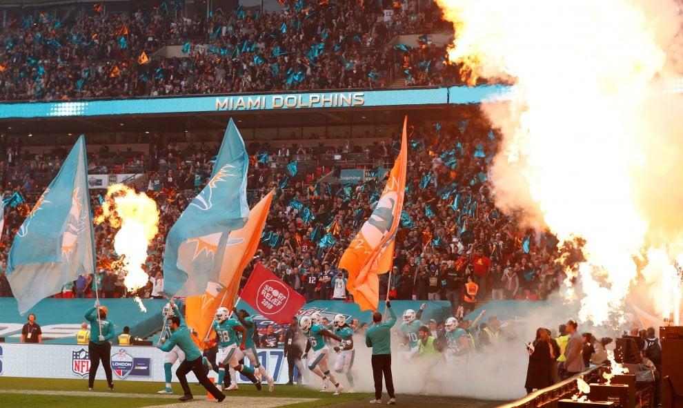 Londra, la Nfl è uno spettacolo globale tra touchdown, la protesta degli inginocchiati e tifosi vip