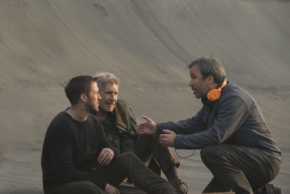 Blade Runner 2049, Ryan Gosling sul set del film: gli scatti durante le riprese