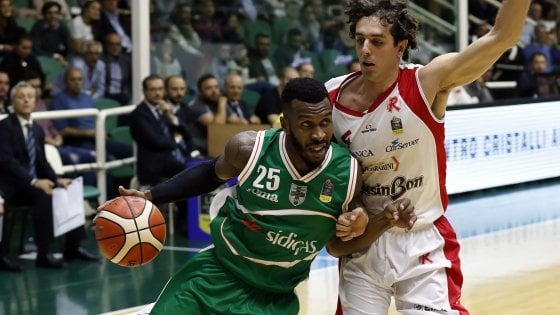 Basket: Avellino, buona la prima. Reggio Emilia si arrende