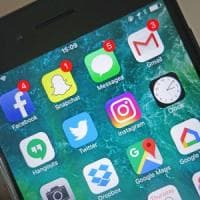 Notifiche sullo smartphone, un terzo di quelle che riceviamo ci fa stare male