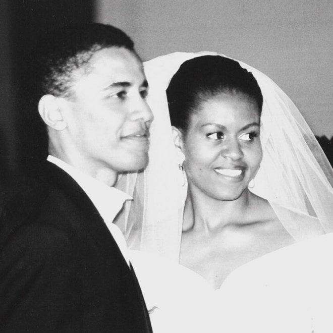 """Nozze d'argento per gli Obama, Michelle twitta a Barack:  """"Sei ancora l'uomo più straordinario"""""""