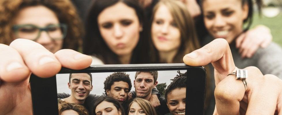 Rapporto Censis:  ieri la tv oggi il web, così si forma l'immaginario collettivo