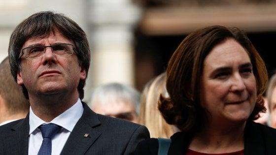 """Catalogna, Ada Colau: """"Dopo le violenze con Rajoy non si può trattare"""""""