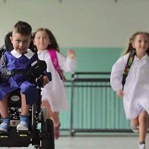 """Malattie rare dei bambini, """"Andare lontano"""": la prima campagna di crowdfounding di Telethon"""