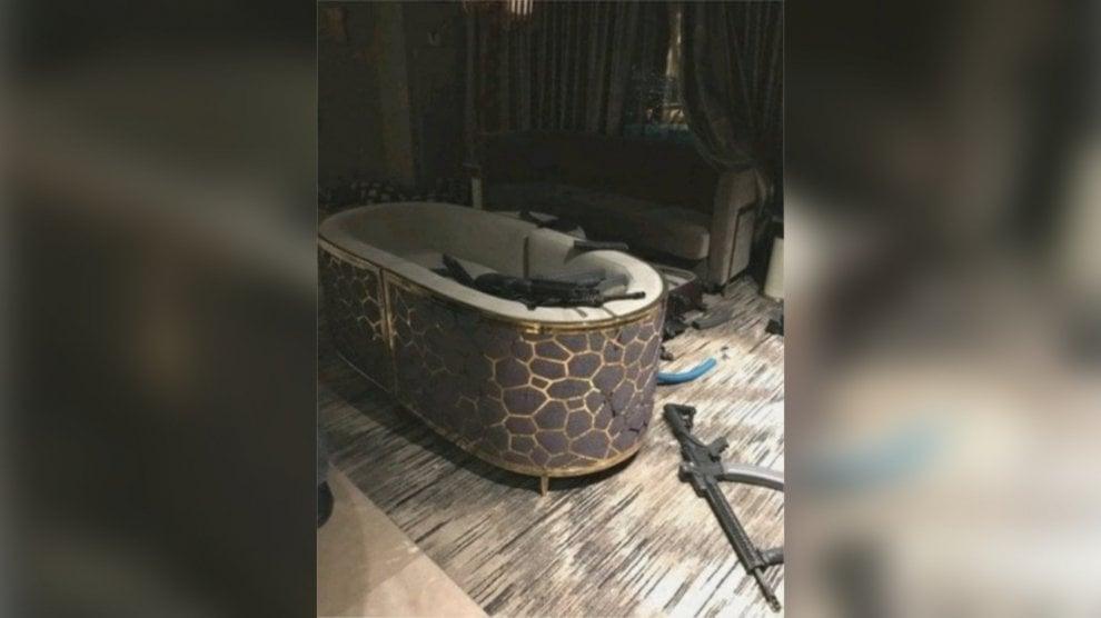 Strage Las Vegas,  l'arsenale di Paddock nella suite del Mandalay Bay Hote