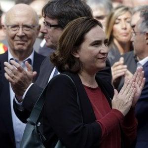 """Colau: """"Dopo le violenze con Rajoy non si può trattare, il Psoe deve sfiduciarlo"""""""