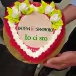 Il video virale di Intesa Sanpaolo e la gogna senza senso dei social