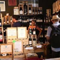 Estate difficile per i negozi italiani: vendite in calo, soffrono i piccoli