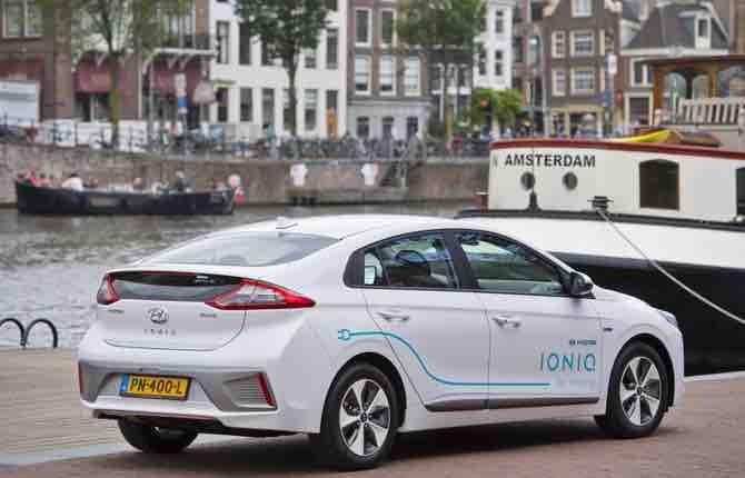 Hyundai Ioniq: ad Amsterdam il primo car-sharing elettrico