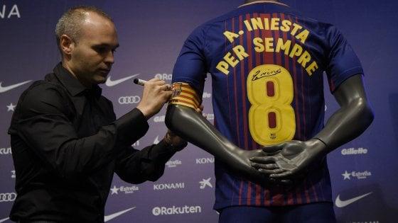 Spagna, Iniesta resta al Barcellona: rinnovo a vita