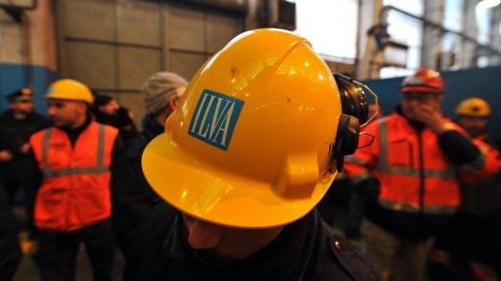 Ilva, Arcelor Mittal conferma 4 mila esuberi: sindacati in rivolta. Lunedì sciopero, poi altre proteste