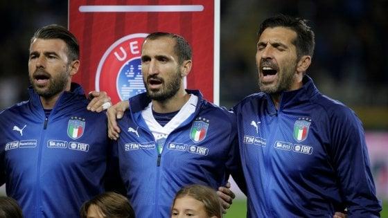 L'Italia va ai play-off tra fischi, contestazioni e faccia a faccia in spogliatoio