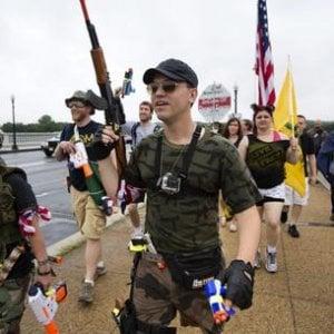 Armi,  negli Usa armati ben prima di Las Vegas: oltre 270 milioni di armi da fuoco personali