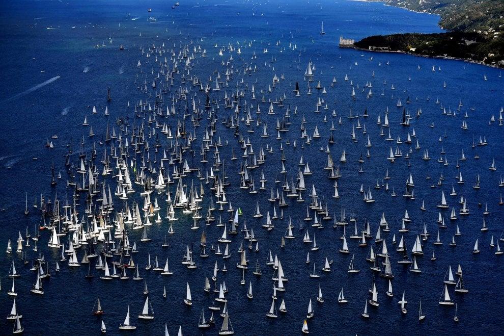 Trieste, al via la Barcolana: record di barche iscritte alla regata a vela