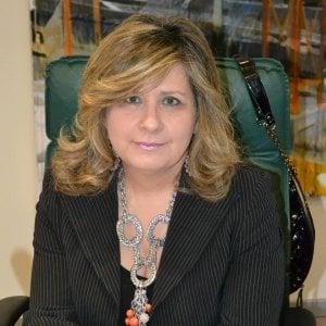 """Mariella Chiappetta: """"La mia vita di preside funambola nella scuola con ventisei sedi. Qui ogni giorno è un rompicapo"""""""