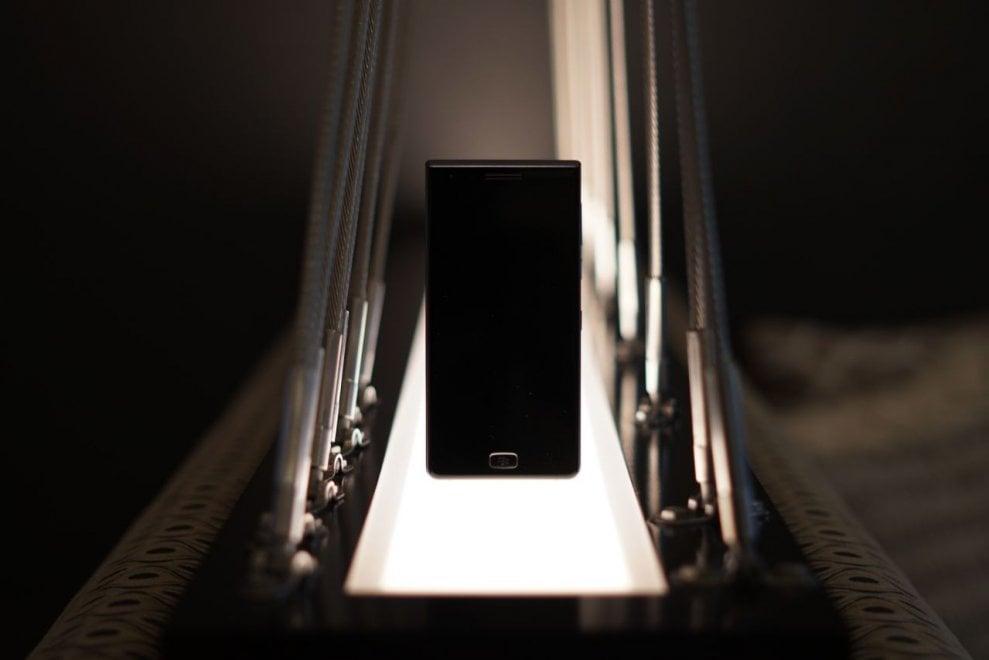 Addio tastiera, ecco BlackBerry Motion