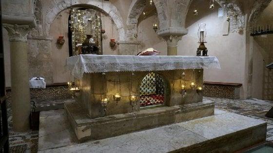 """""""Trovato il feretro di Babbo Natale"""", è nella chiesa di Antalya in Turchia"""