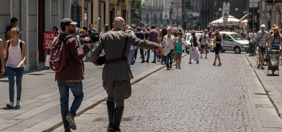 """Mussolini torna in vita nel film di Miniero: """"Ecco come reagirebbe l'Italia oggi"""""""