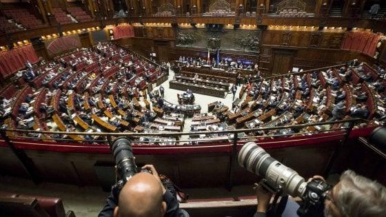 Rosatellum bis, sì della Camera a prime due fiducie tra le proteste
