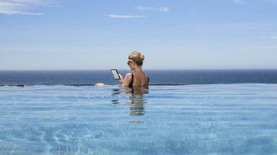 Arriva il nuovo Kindle Oasis. Schermo più ampio e resistente all'acqua