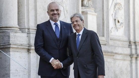 """Albania, il primo ministro vuole l'Europa: """"L'Ue può garantire pace e prosperità"""""""