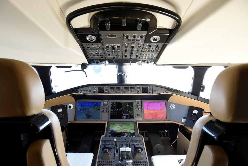 Zona living e camera da letto, ecco il jet privato più grande al mondo